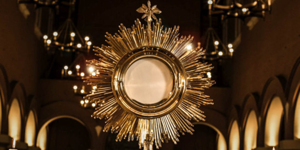 Web3 Monstrance Close Sunburst Fotorech Pixabay Cc0 2